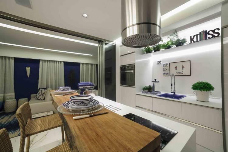 Truque da fita de led para melhorar a iluminação da cozinha