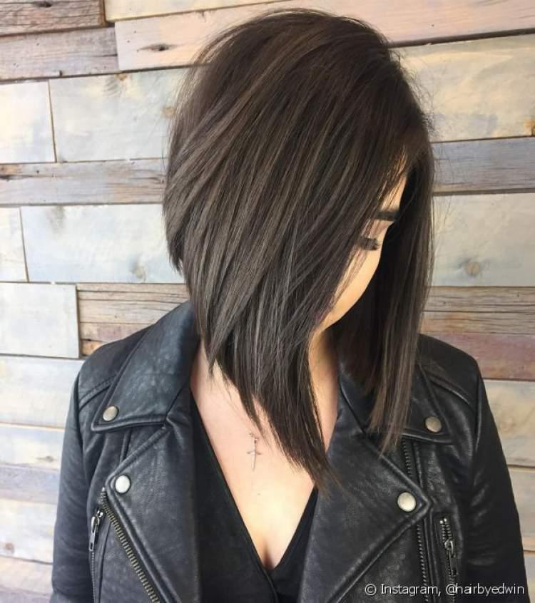 Chanel é uma das ideias de cortes de cabelo médio