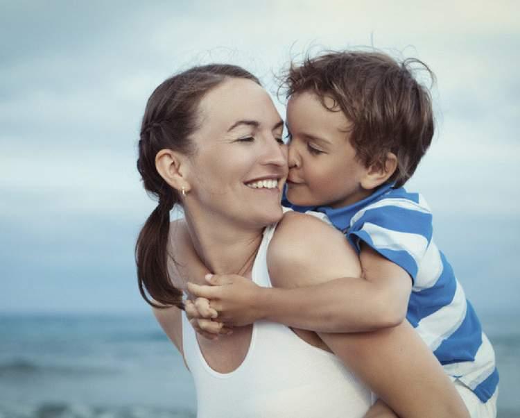 O menino é mais apegado à mãe?