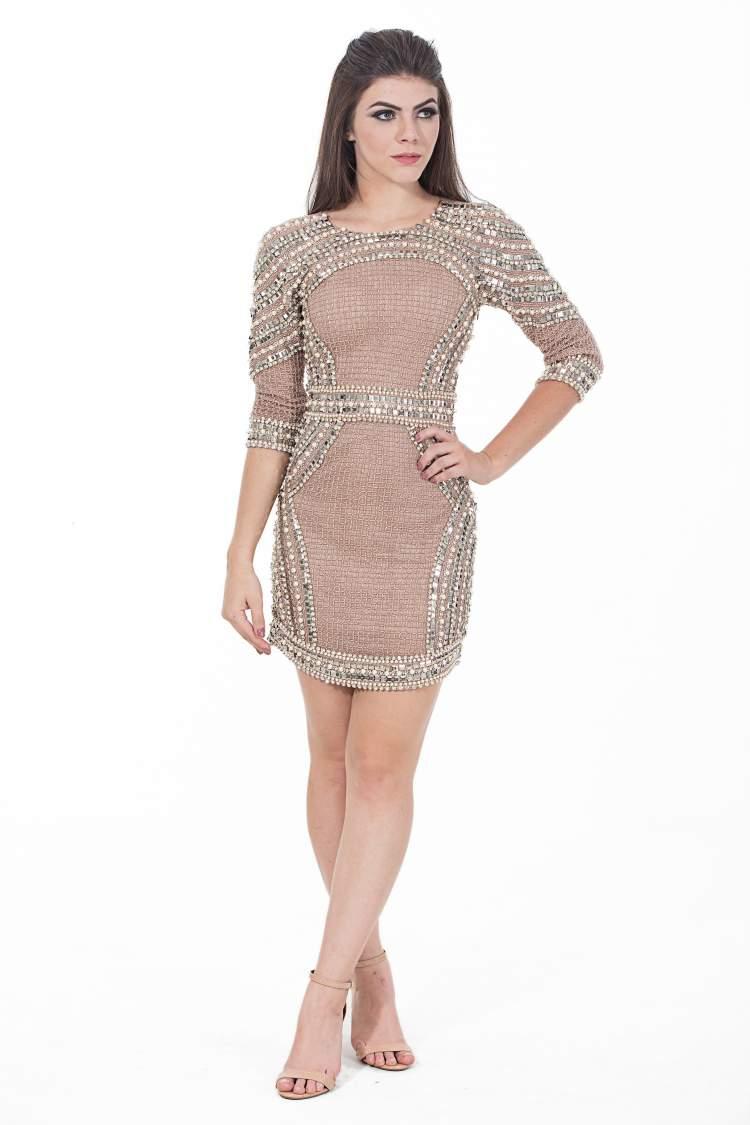 Saiba como escolher o vestido ideal para o corpo tipo ampulheta