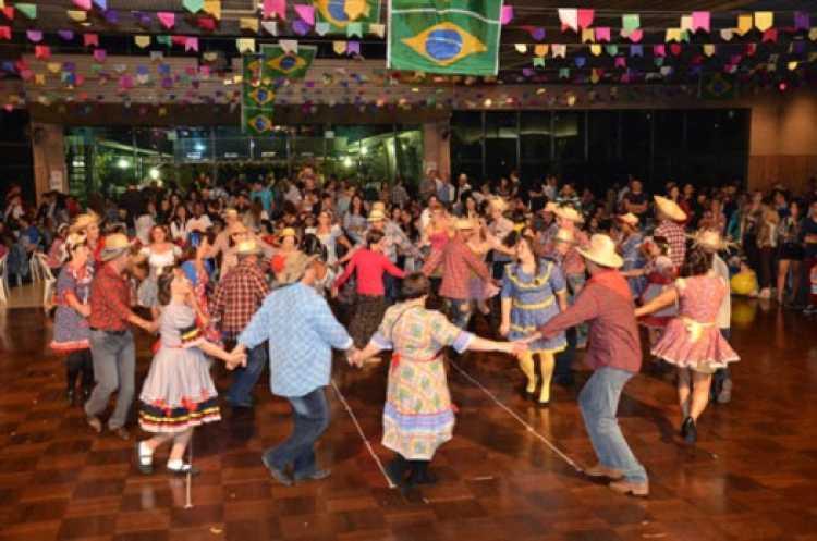 Música para dançar quadrilha na festa junina