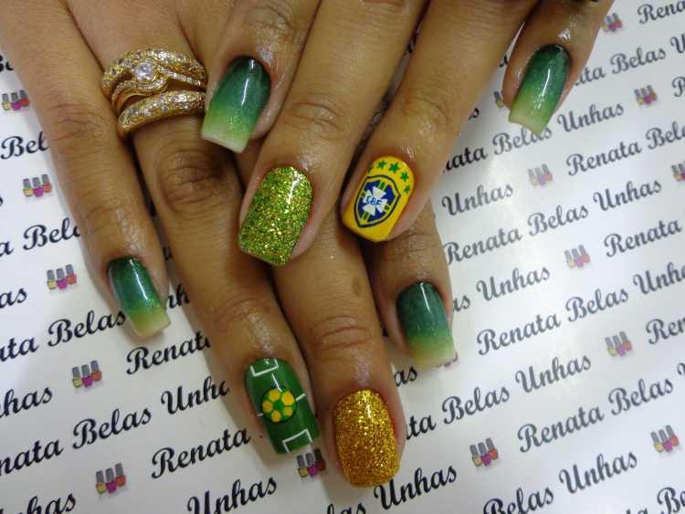 Unhas decoradas em degradê para torcer pelo Brasil na copa
