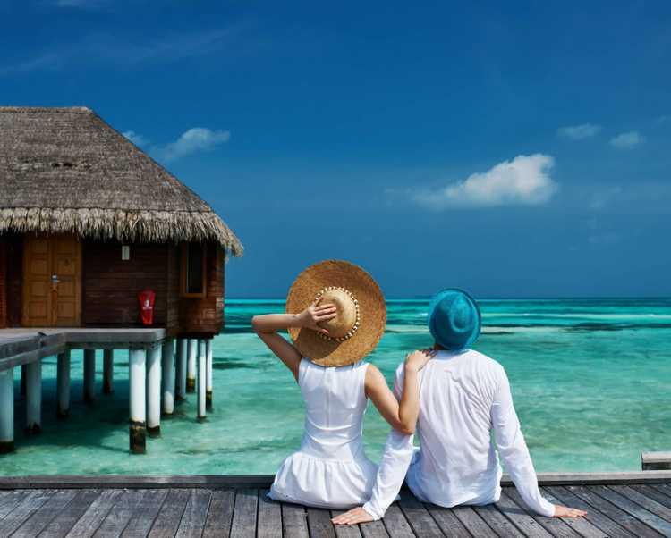Conheça os destinos deslumbrantes para casais em lua de mel. Tem opções românticas, agito, belíssimas paisagens e roteiros turísticos de tirar o fôlego.