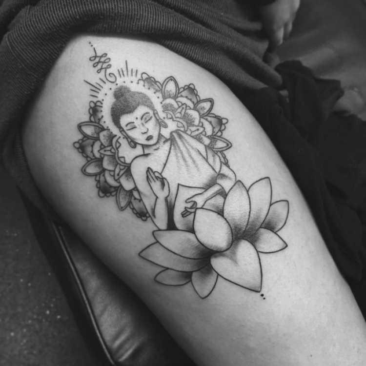 Ideia de tatuagem exotérica