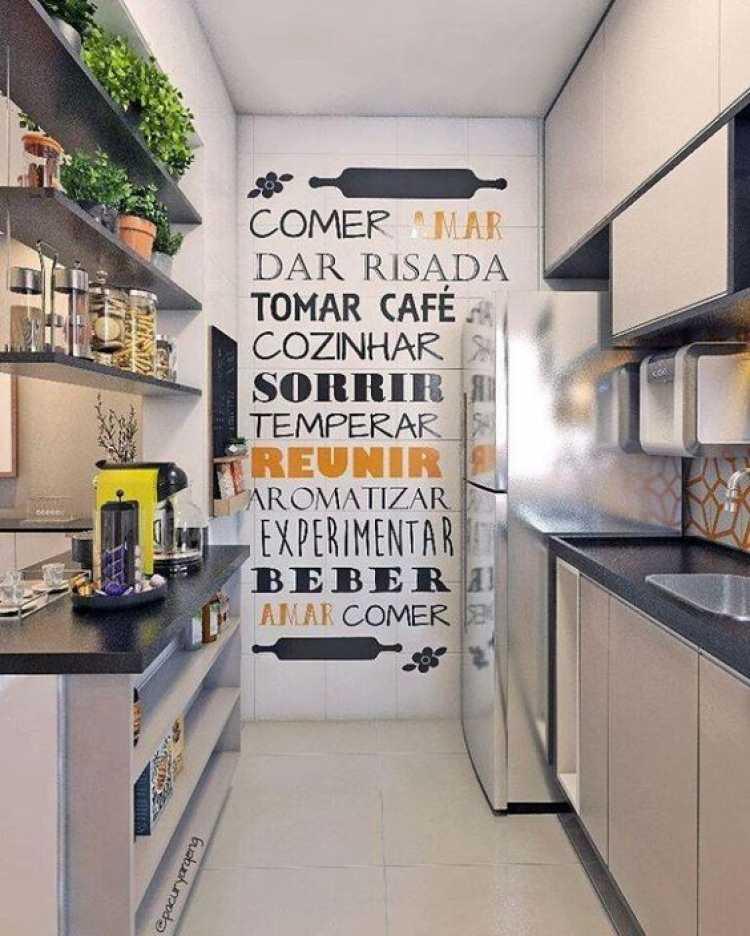 Maneira divertida de decorar uma cozinha pequena