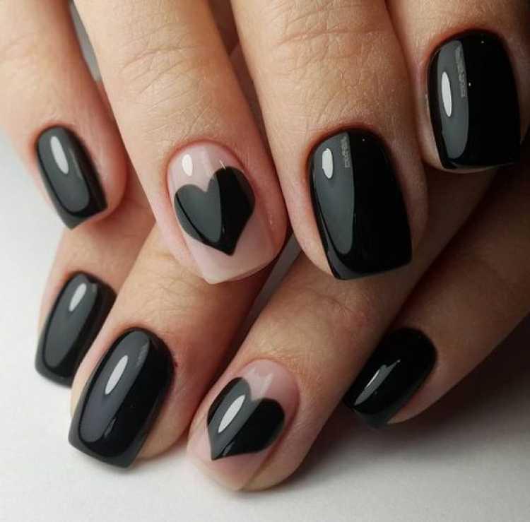 Ideia romântica para pintar as unhas