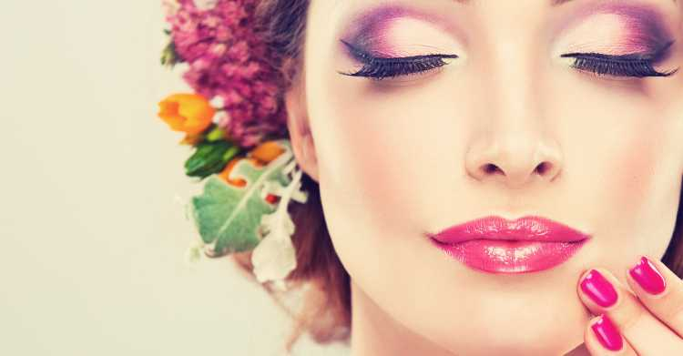 Olhos com esfumado roxo é uma das maquiagens lacradoras para o Réveillon