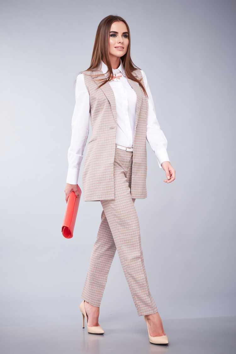 camisa Social Feminina com calça e blazer de alfaiataria
