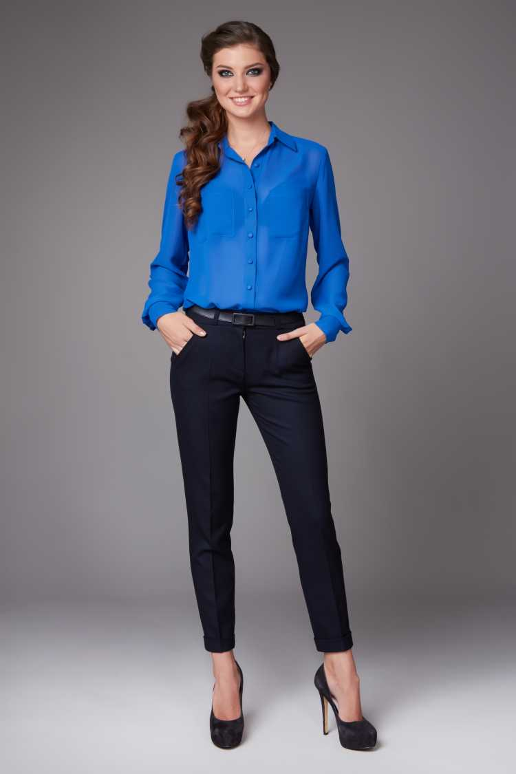 camisa Social Feminina com calça preta