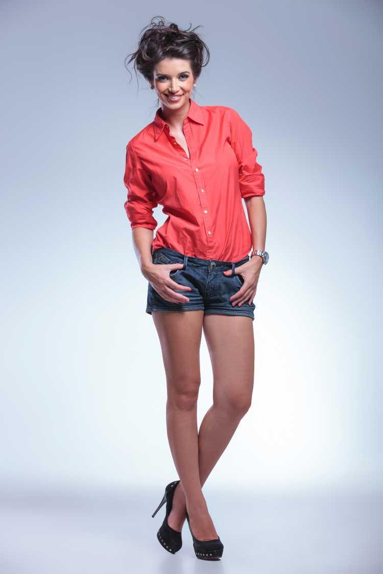 camisa Social Feminina vermelha com short
