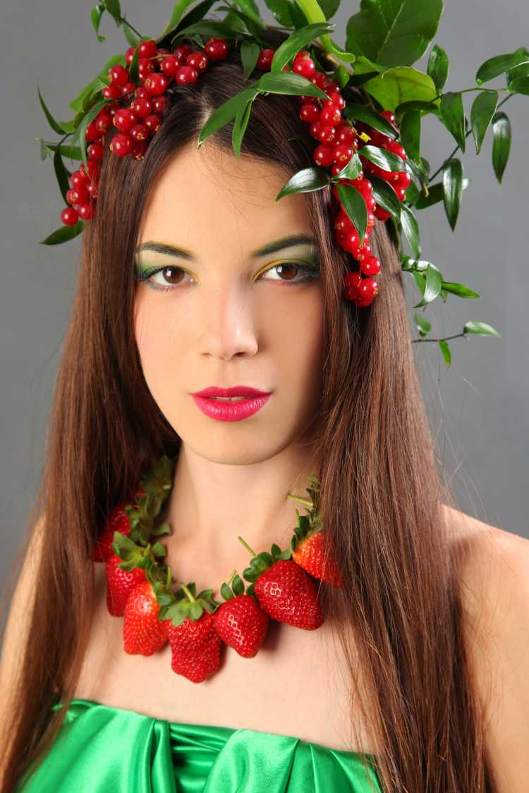 enfeite Carmem Miranda é um dos acessórios de cabelo para carnaval