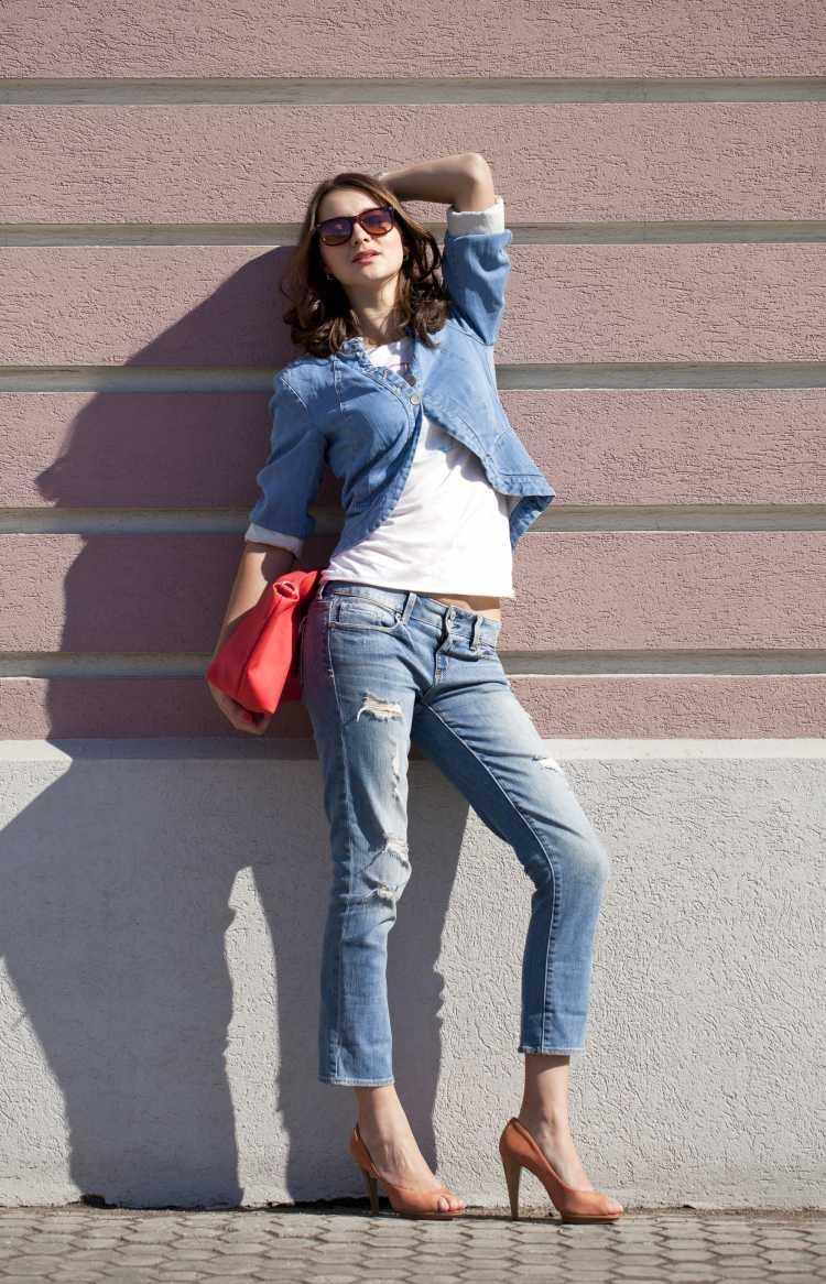 Como se vestir para ir a um show com calça jeans e jaqueta