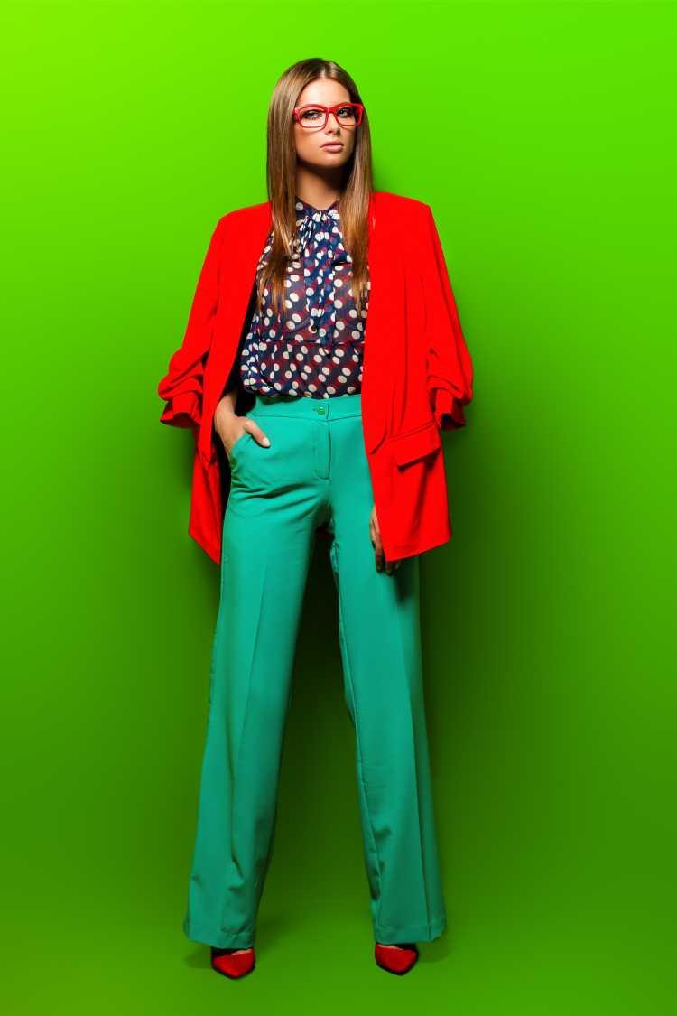 Looks com Mix de Cores com vermelho,verde e azul