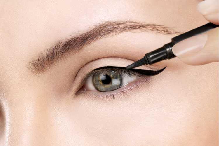 Maquiagem para sessão de fotos com delineado fino