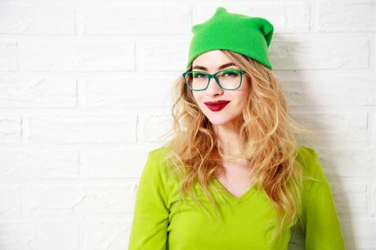 Touca ou Gorro Feminino com cores vibrantes verde