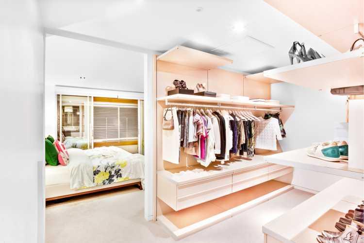 closet de princesa com detalhes rosa