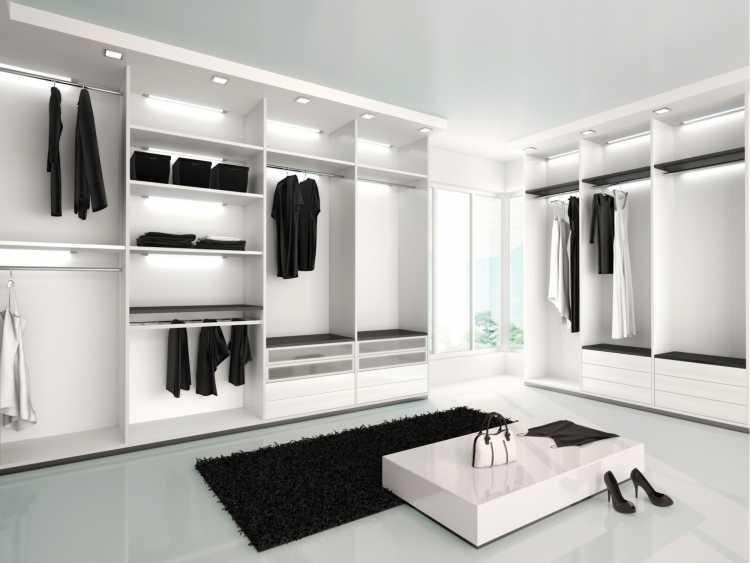 closet todo branco com detalhes pretos