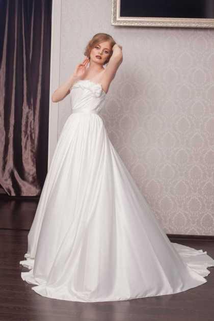 vestido de noiva em tafetá rodado tomara que caia