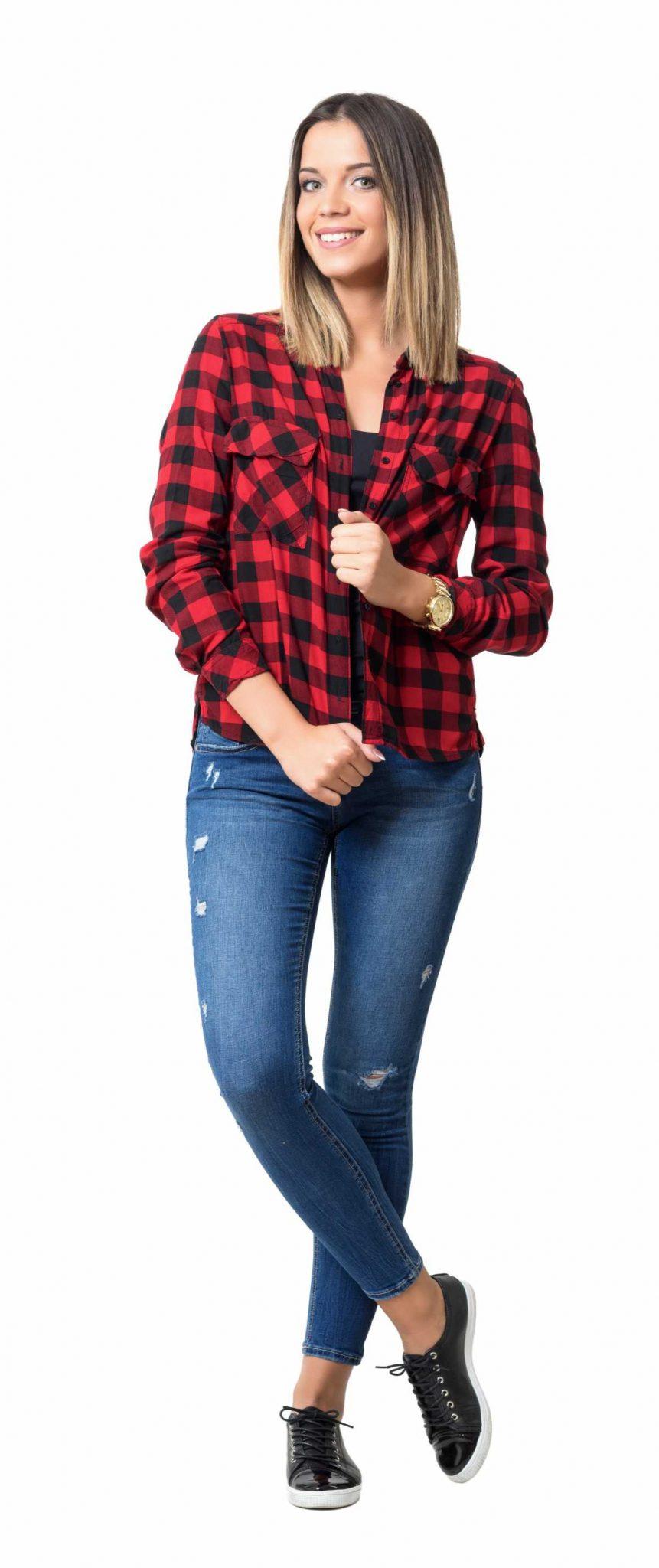 camisa com estampa xadrez preta e vermelha