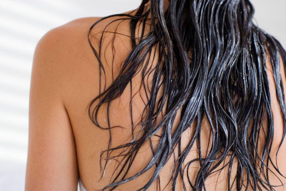 Hidratação com maizena para cabelos ressecados e sem brilho