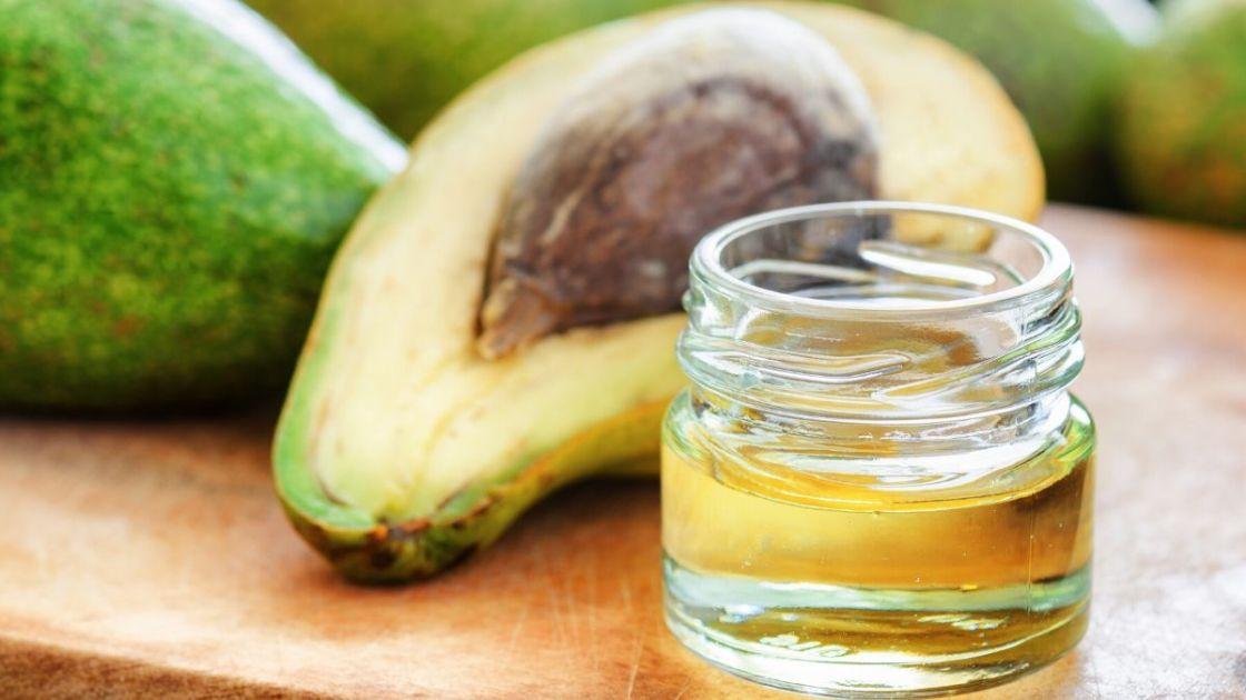 Benefícios do óleo de abacate no cabelo - [Foto: Canva]