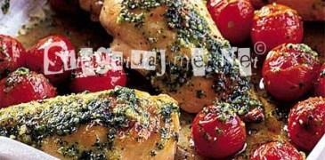 Si te gatuajme gjoks pule me domate te vogla dhe pesto