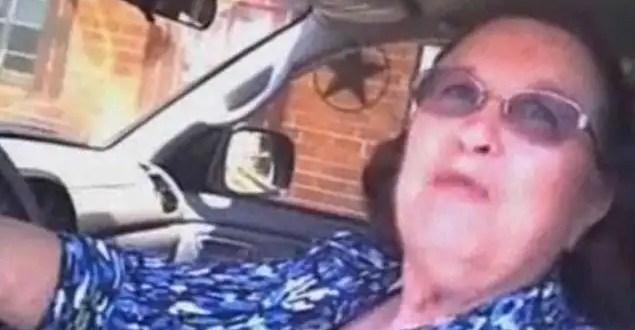 Arrestan a una abuela por querer ir al baño - Video
