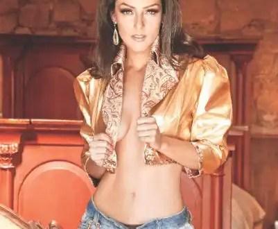Andrea García al natural para revista Playboy - Video