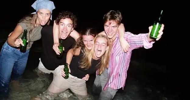 Los peligros de emborracharse con enemas de alcohol