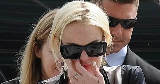 Lindsay Lohan presa por atropellar a un hombre y huir