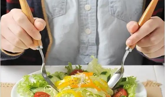Cómo una dieta puede dañar tu cerebro