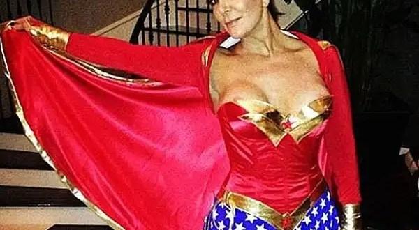 Foto: Kris Jenner muestra de más en traje de 'Mujer Maravilla'