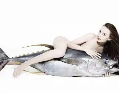 Fotos: Lizzy Jagger al natural para proteger a los peces