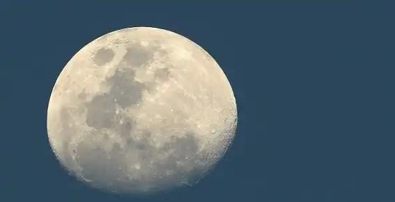 Descubren el origen de la Luna