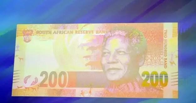 Billetes de Sudáfrica con la imagen de Nelson Mandela