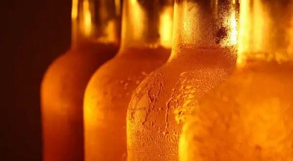 ¿La cerveza y los refrescos engordan por igual?