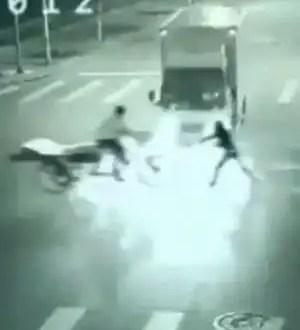 Video: Ángel de la guarda lo salva de muerte inminente