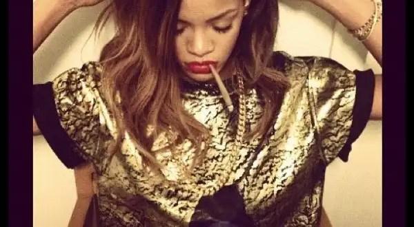 Foto: Rihanna fuma marihuana