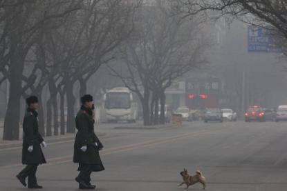 Pekín emite alerta naranja por contaminación-1