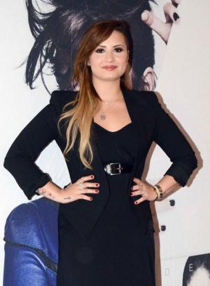 Demi Lovato y Eiza-6