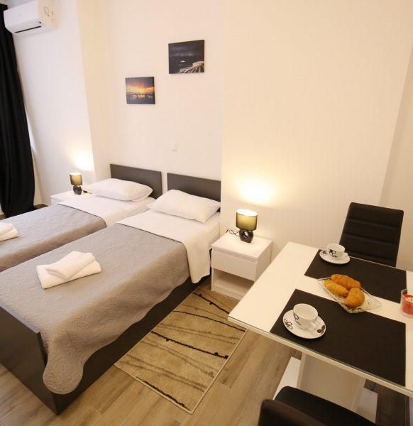 Room1_57