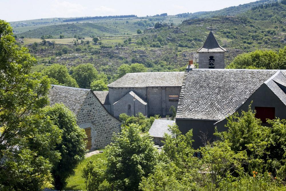 Château Saint-Nom la Bretèche le long du GR 1