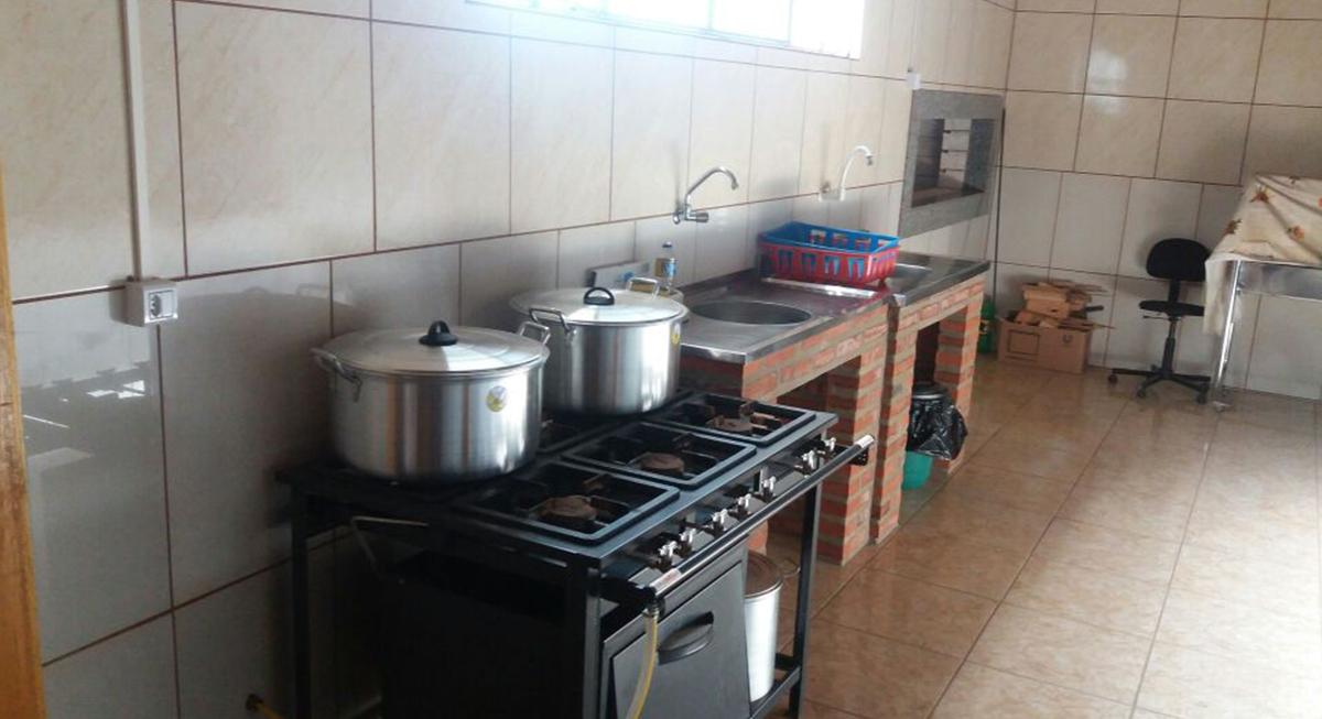 sitio-para-retiro-beira-do-rio-cozinha-3