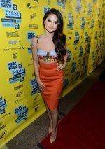 Los atrevidos vestidos de Selena Gomez 5