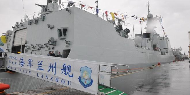 Rossi recorrió los buques de la República Popular China que visitan el país