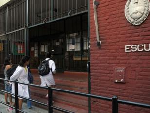 Se podrá realizar la inscripción por internet en las escuelas porteñas
