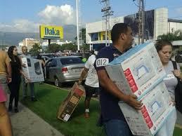 """Maduro llamó a saquear una cadena de electrodomésticos: """"No dejen nada"""""""