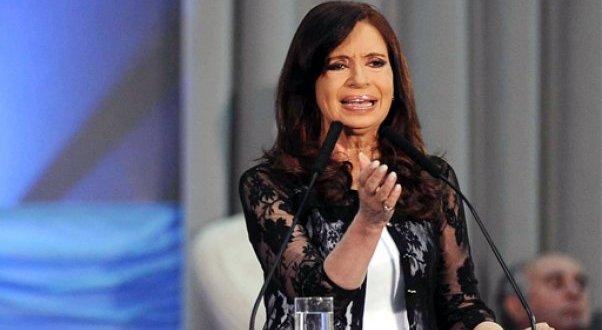 """Cristina acusó a la policía de """"organizar la delincuencia para robar"""" durante los saqueos"""