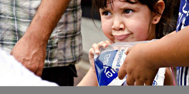 Las Fuerzas Armadas realizan un apoyo sanitario y entrega agua potable