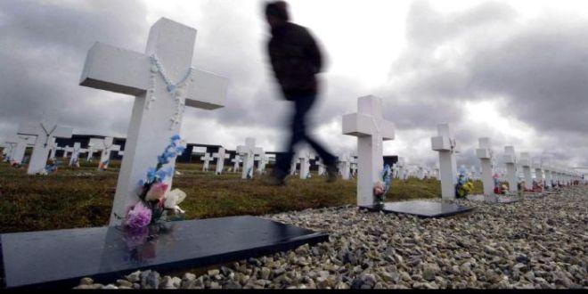 Filmus pidió que en el próximo verano pueda iniciarse la identificación de caídos en Malvinas